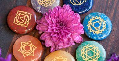 como activar las piedras de los chakras