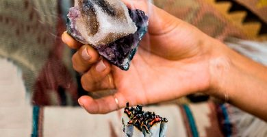 como limpiar las piedras de los chakras